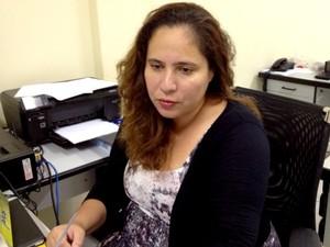 Joelda, diretora de Direitos Humanos da SEPM explica sobre os tipos de violência contra a mulher.  (Foto: Yuri Marciel/ G1)