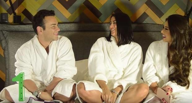 Carol Castro e Flávia Pavanelli com Mateus Mazzafera (Foto: Reprodução / Youtube)