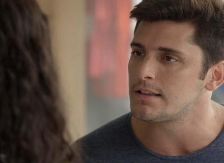 Toninho tenta convencer Joana a se vingar de Bárbara: 'Ela te odeia'