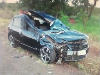 Carro do atacante Michael do Fluminense (Foto: Reprodução / TV TEM)