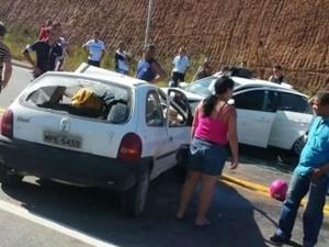 Acidente na BR-101, na Serra (Foto: Eduardo da Vitória Amaral/ Internauta)