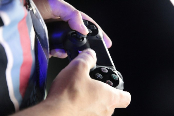Dualshock 4 (Foto: Léo Torres / TechTudo)