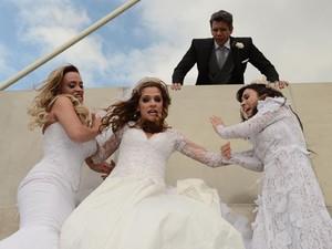 Suzana Pires, Ingrid Guimarães, Tatá Werneck e Marcio Garcia em cena de 'Loucas pra casar' (Foto: Páprica Fotografia/Divulgação)