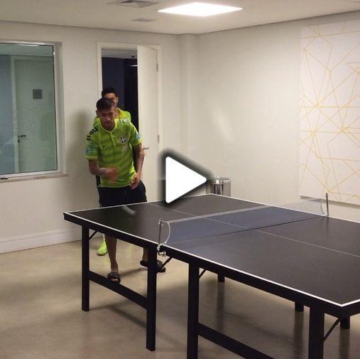 Neymar no ping pong