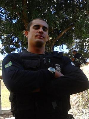 Agente penitenciário, Michael Mendes estreia no MMA contra o português Gonçalo Salgado no MegaFighters (Foto: Regina Lima)
