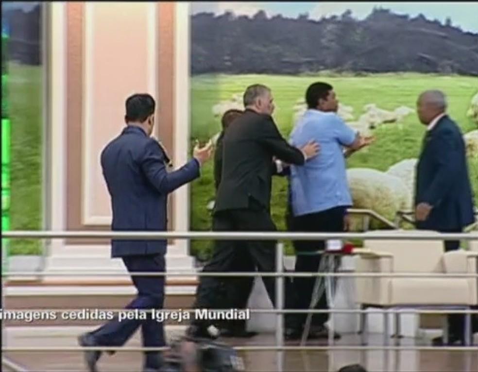 Apóstolo Valdemiro Santiago levou uma facada no pescoço (Foto: Reprodução/Igreja Mundial)