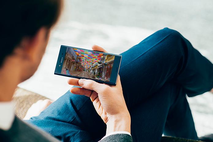 Xperia XZ Premium tem tela 4K com HDR e câmera capaz de super slow motion (Foto: Divulgação/Sony)