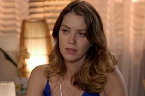 Nathalia Dill é Laura em 'Alto astral' (Foto: Reprodução)