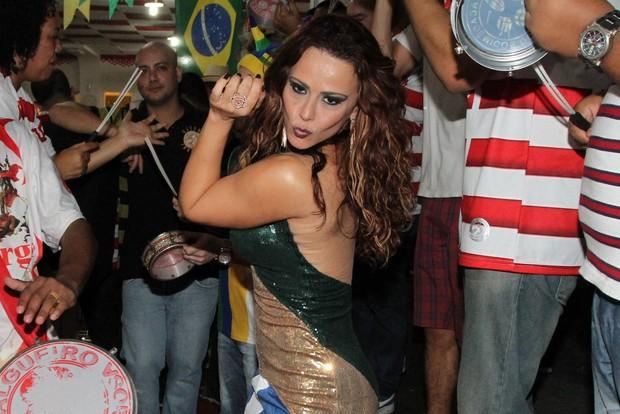 Viviane Araújo no Salgueiro (Foto: Anderson Borde/ AgNews)