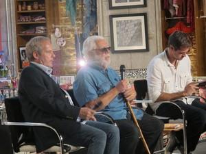 Os diretores Jayme Monjardim e Leonardo Nogueira e o autor Manoel Carlos, ao centro (Foto: Alba Valéria Mendonça/ G1)