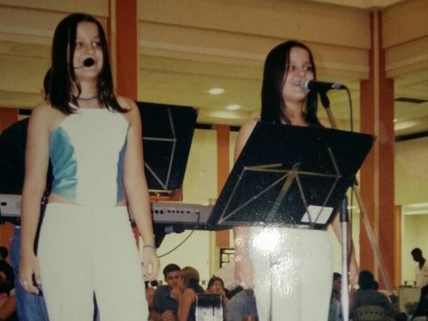 Gêmeas começaram a cantar influenciadas pela mãe (Foto: Divulgação/Arquivo Pessoal)