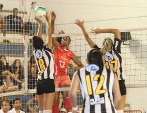 Santos x Osasco vôlei feminino sub-21 (Foto: Zerri Torquato / Divulgação)
