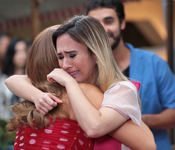 Fedora se emociona com a atitude de Tancinha (Foto: Isabella Pinheiro/Gshow)