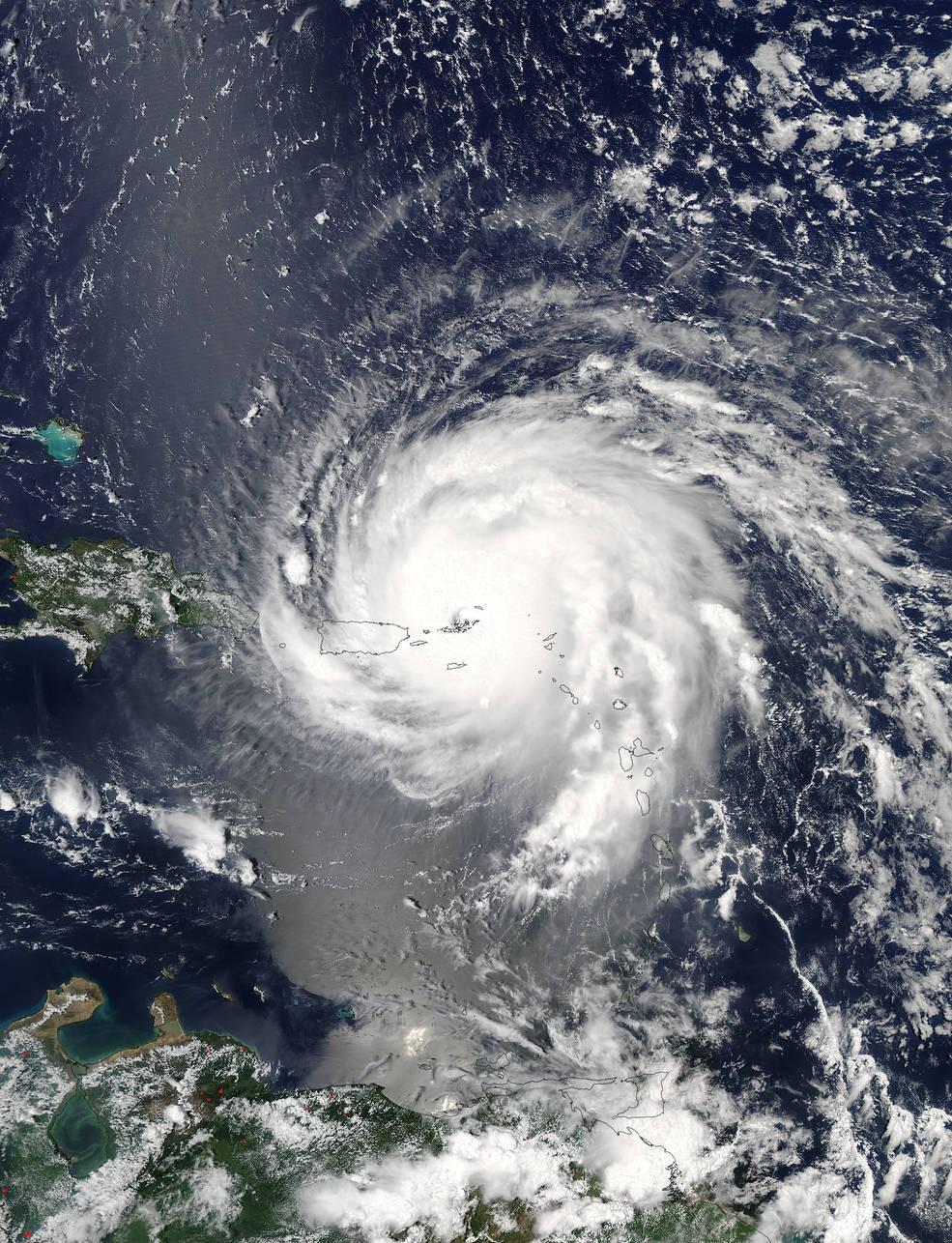 Furacão Irma sobre as Ilhas de Sotavento e Porto Rico, no dia 6 de setembro de 2017, às 13:45 da tarde (Foto: NASA Goddard MODIS Rapid Response Team)