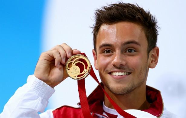 O saltador olímpico britânico Tom Daley, de 20 anos, se assumiu gay por meio de um vídeo no YouTube em dezembro de 2013. (Foto: Getty Images)