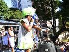 É o Tchan arrasta 'space girls' das Muquiranas no Campo Grande