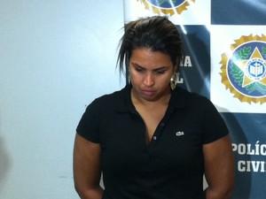 Fabiana foi presa nesta terça (28) (Foto: Alba Valéria Mendonça/ G1)