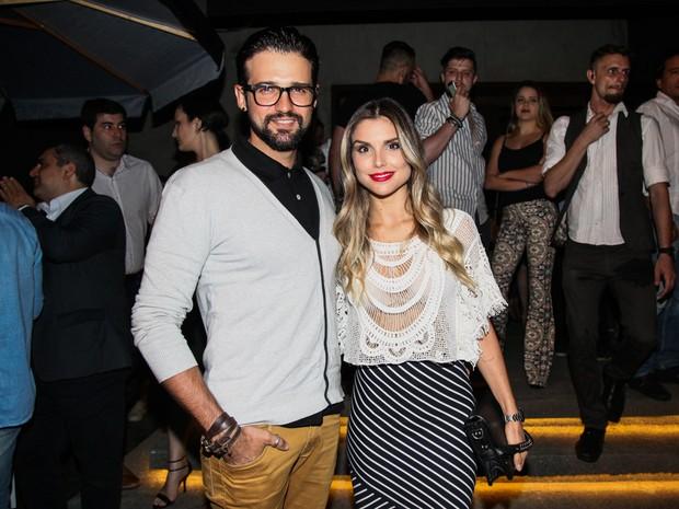 Ex-BBB Fernando Justin e Flávia Viana em festa em São Paulo (Foto: Manuela Scarpa/ Brazil News)
