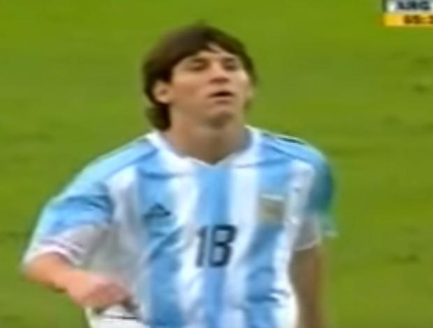 BLOG: Lembra? Há 11 anos, Messi estreava pela Argentina e era expulso com um minuto