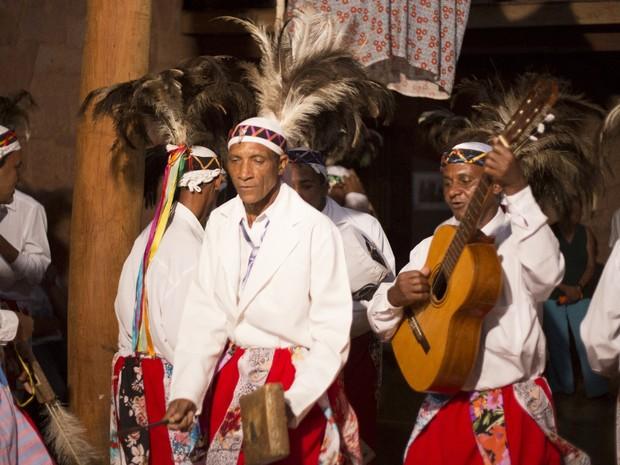 Congo de Niquelândia se apresenta no Encontro de Culturas Tradicionais, em Alto Paraíso de Goiás (Foto: Anne Vilela/Divulgação)