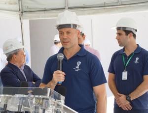 Chris Unger, chefe do departamento de operações da Copa do Mundo, durante visita a Arena das Dunas (Foto: Augusto Gomes)