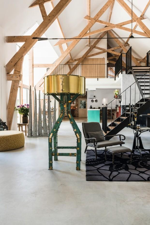 Casa de fazenda centenária é o lar criativo de casal de designers (Foto: Mariëlle Leenders/divulgação)