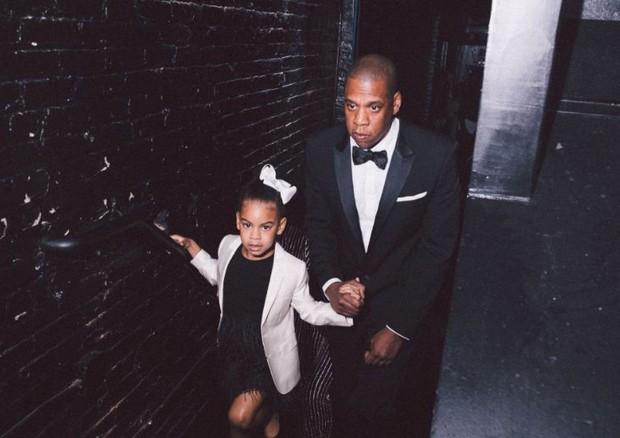 Blue Ivy e Jay Z em foto de Beyoncé (Foto: Reprodução)