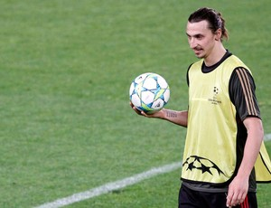 ibrahimovic milan (Foto: Reuters)