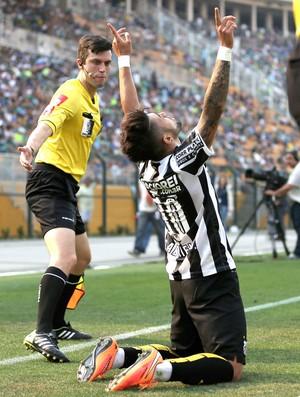 Gabriel comemora gol do Santos contra o Palmeiras
