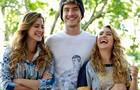 Os atores mostram que são amigos fora de cena e se divertem nos bastidores (Foto: Ellen Soares / TV Globo)