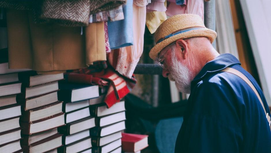 O estudo afirma que um cliente com mais de 55 anos trocaria sua loja favorita por outra, que o entenda melhor (Foto: Pexels)