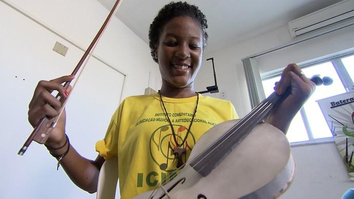 Escolas são beneficiadas pela Orquestra Plástica, do Neojiba (Foto: TV Bahia)
