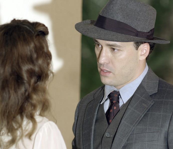 Fabio procura Maria e diz que tem admiração por ela (Foto: TV Globo)