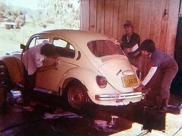 [Image: lavando_carro.jpg]