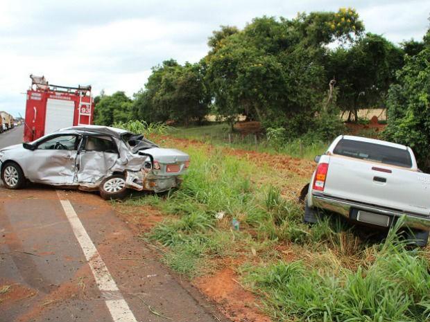 Acidente na MS-276 em Batayporã, MS (Foto: Sandro Almeida/Jornal da Nova)