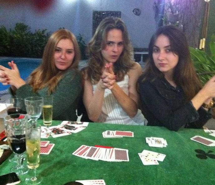 Essa foto é da fase em que Ana Paula se reunia com as amigas para jogar buraco (Foto: Arquivo Pessoal)