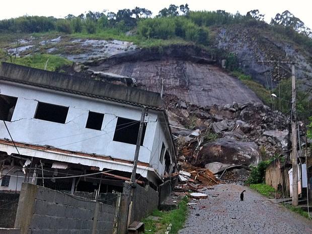 FOTÃO NOVA FRIBURGO (Foto: Tássia Thum/G1)