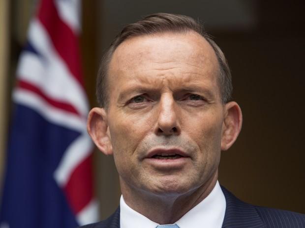 Vídeo de Tony Abbott bebendo cerveja causa polêmica na Austrália (Foto: AP Photo/Andrew Taylor)