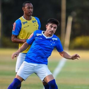 Cruzeiro; Willian; Fabrício; Marcos Vinícius (Foto: Pedro Vilela/Light Press)