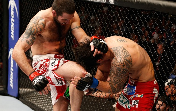 Matt Brown bate Erick Silva (Foto: Getty Images)
