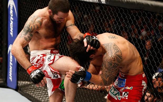 Matt Brown bate Erick Silva (Foto: Getty Images)