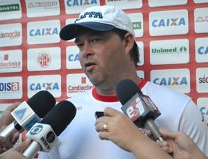 Roberto Fernandes - técnico do América-RN (Foto: Jocaff Souza/GloboEsporte.com)