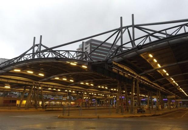 Terminal Pinheiros, na zona oeste, completamente vazio em dia de greve geral (Foto: Barbara Bigarelli/Editora Globo)