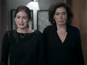 Isis e Marta choram juntas a morte de Zé (Foto: TV Globo)