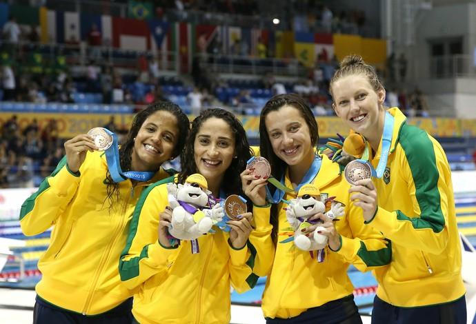 Larissa, Etiene, Graciele e Daynara, ntação,  bronze no 4x100m livre, Pan de Toronto (Foto: Satiro Sodre/SSPress)