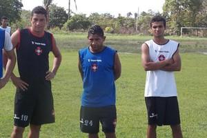Da esquerda para direita: Kléo, Curuca e Dieguinho foram as novidades (Foto: Bruno Alves/Globoesporte.com)