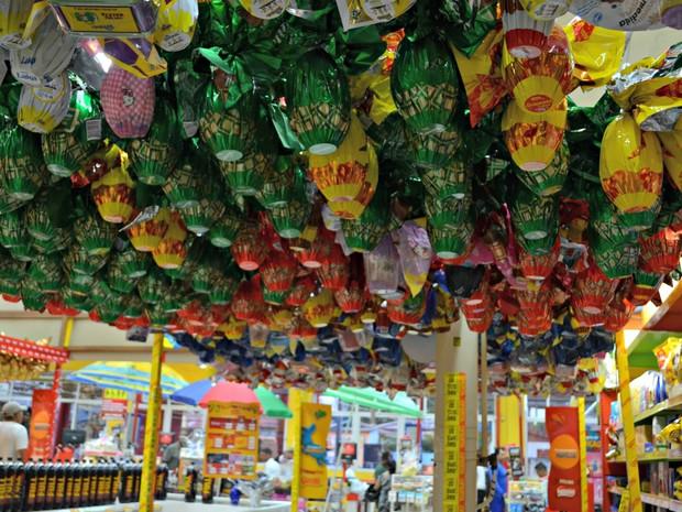 Supermercados registram queda de até 30% em vendas de ovos de páscoa (Foto: Quésia Melo/G1)