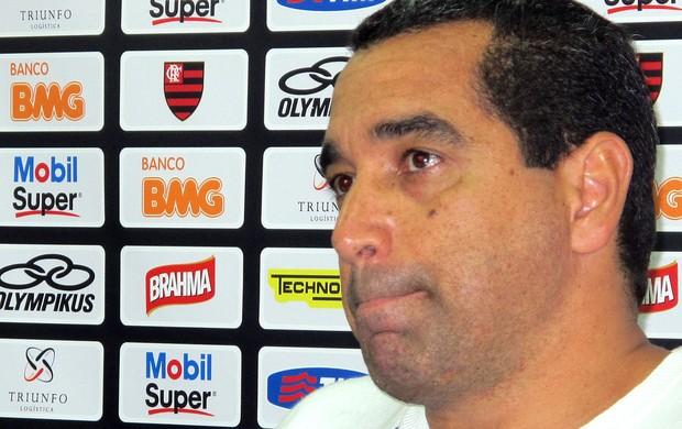 mãos  vazias (Richard Souza / Globoesporte.com)