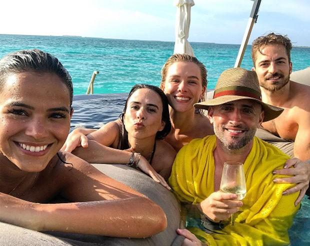 Fiorella Mattheis se diverte com Bruna Marquezine, Paulo Gustavo e Tatá Werneck (Foto: Reprodução)