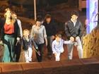 Alexandre Pato passeia com Barbara Berlusconi e os filhos dela pela Itália